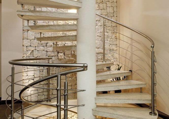 Винтовые лестницы из камня